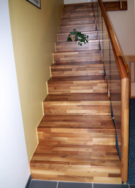 jankowski metall treppenbau freitragende treppen. Black Bedroom Furniture Sets. Home Design Ideas